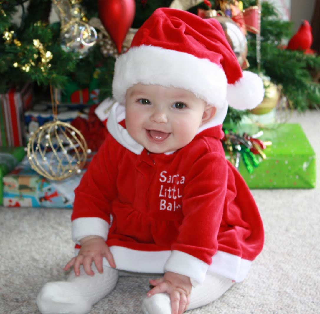 Cutest christmas baby profile dp for whatsapp 5