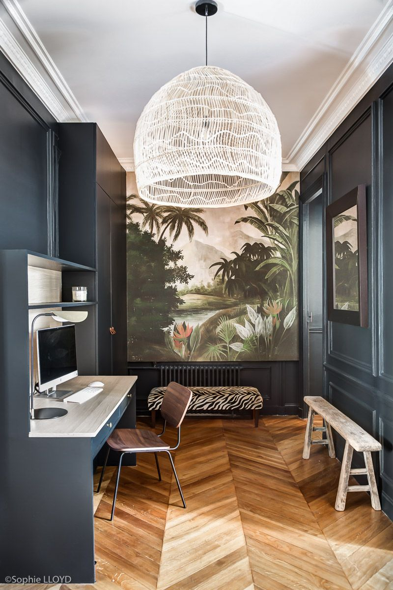 entr e boh me chic pour un appartement haussmanien le papier peint panoramique donne de la. Black Bedroom Furniture Sets. Home Design Ideas