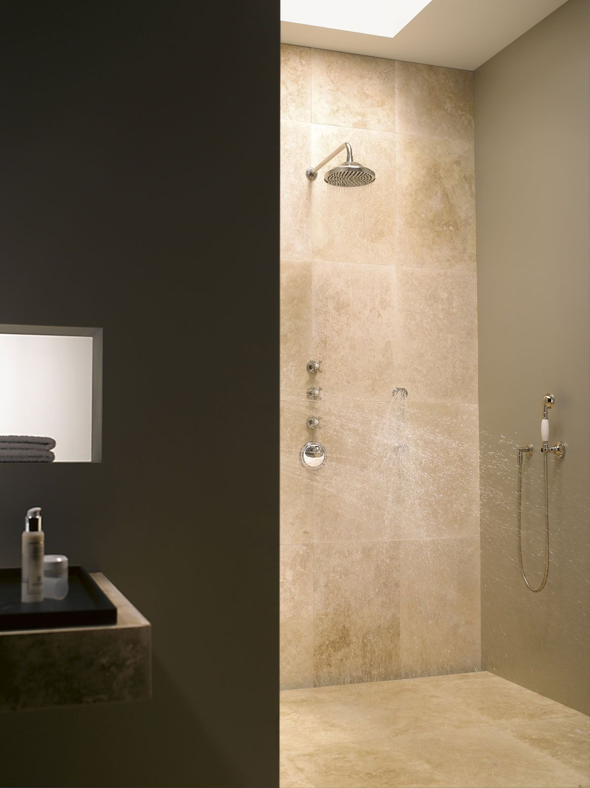 Dornbracht S Classic Design Showers Shower Head Body Jets And Hand Shower Madison Collection Dornbracht Shower Fittings Shower