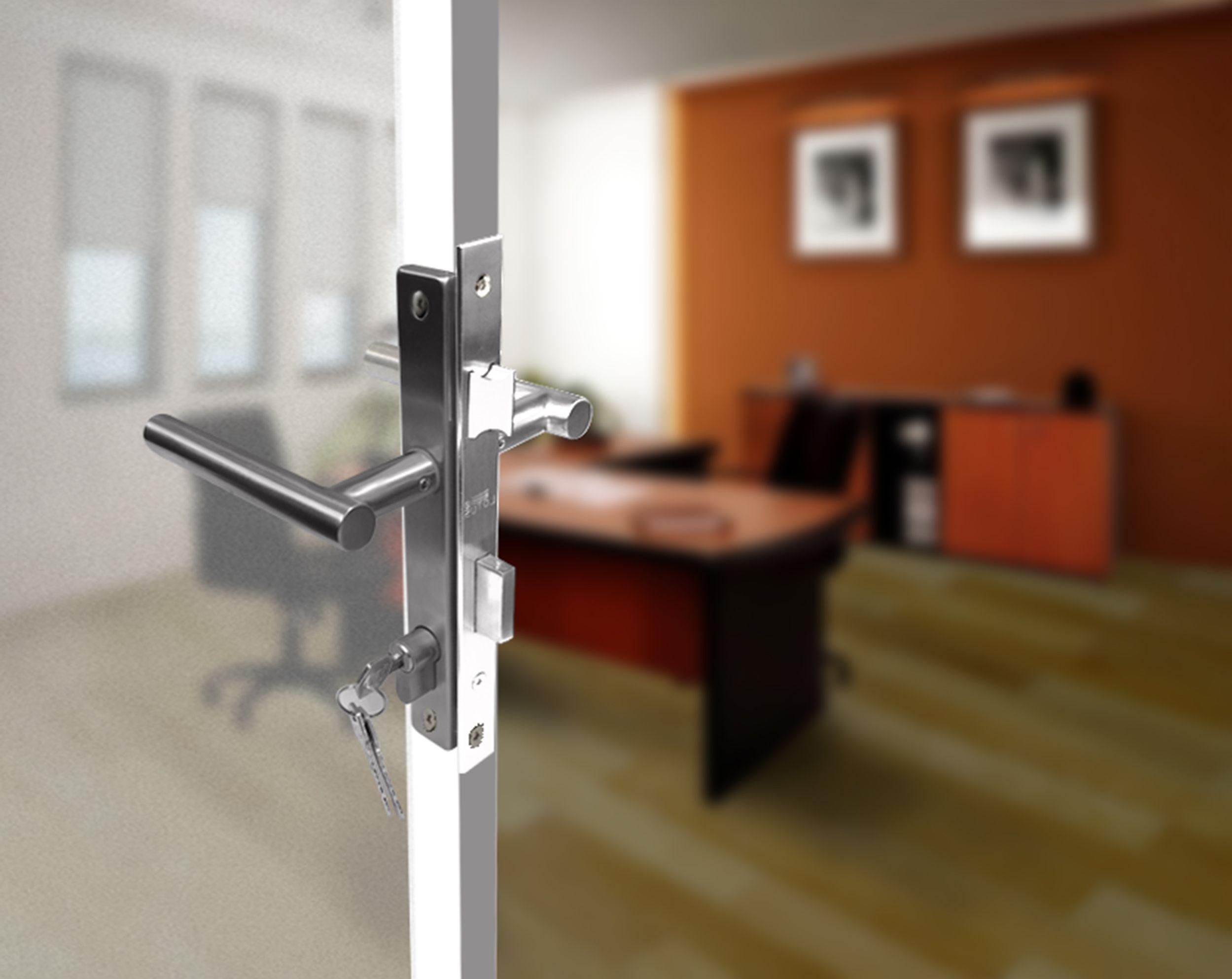 Cerradura Placa Con Manija Para Puerta De Aluminio Puertas De Aluminio Diseno Ventanas Aluminio
