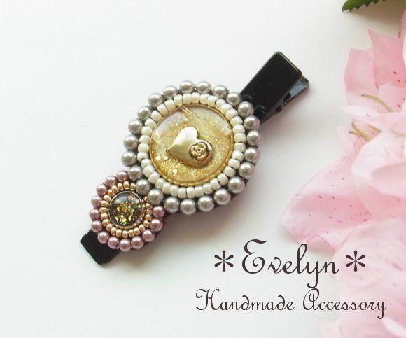 一つ一つ丁寧に作製した キラキラ*☆*ラメの輝きが美しいレジンパーツに ビーズ刺繍を施したクリップです。 市販のボタンなどを使用したビーズ刺繍はよく見かけます...|ハンドメイド、手作り、手仕事品の通販・販売・購入ならCreema。