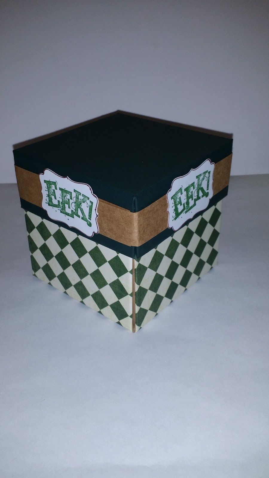 APeeling Papercrafts-Game in an Explosion Box