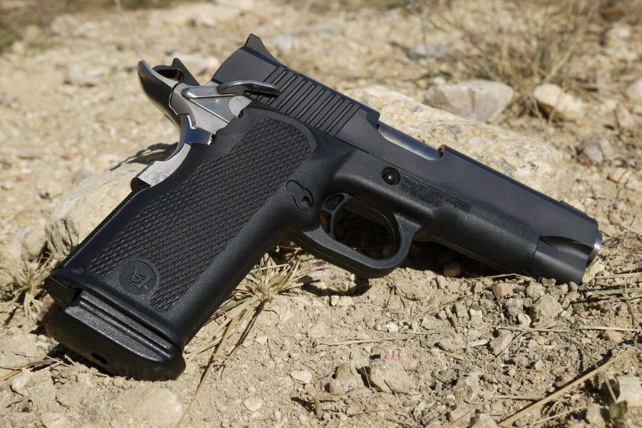 BUL M5 commander \'1911\' (allegedly)Loading that magazine is a pain ...
