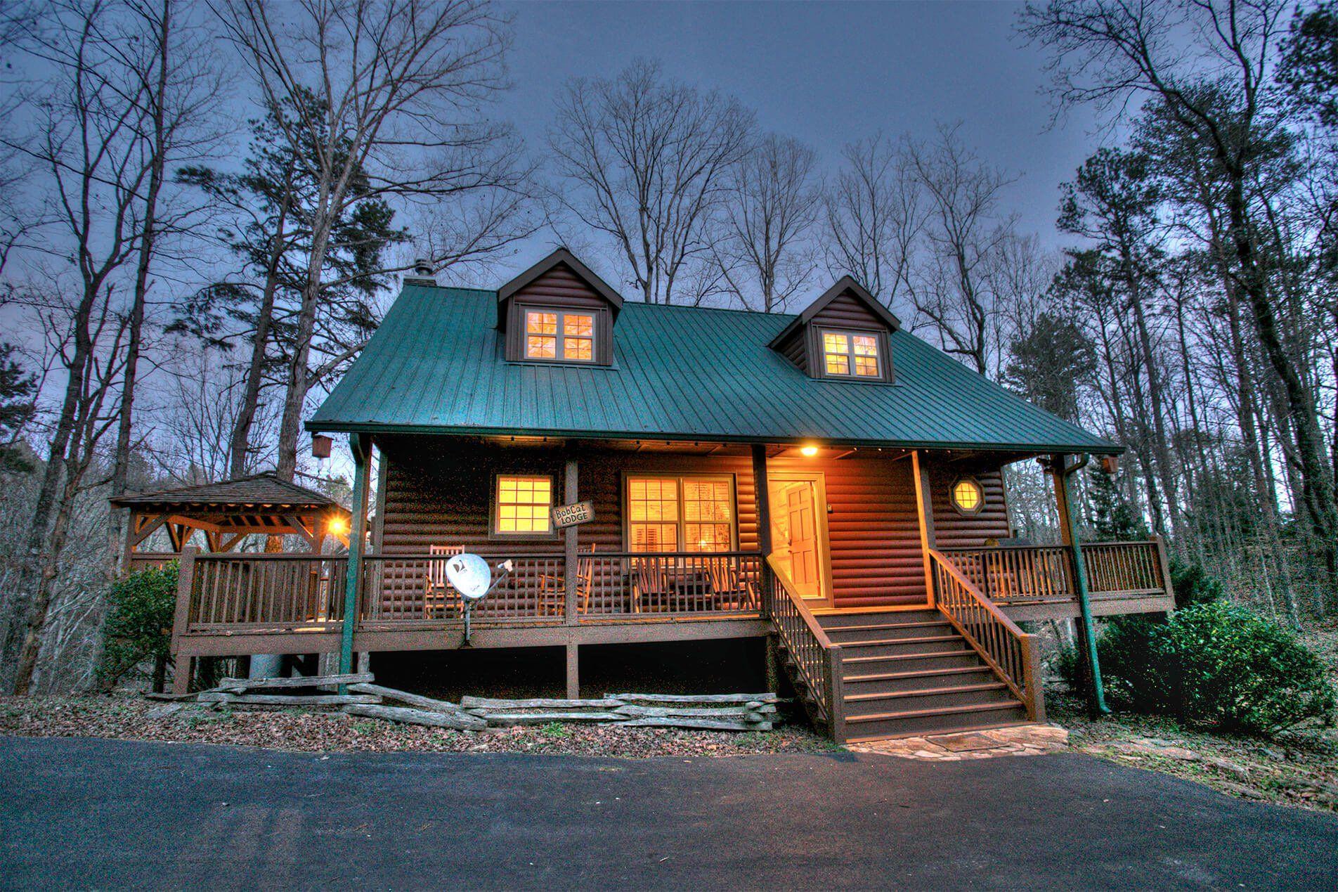 lodge cabin in georgia cabins bobcat family near pin rental ga helen rentals