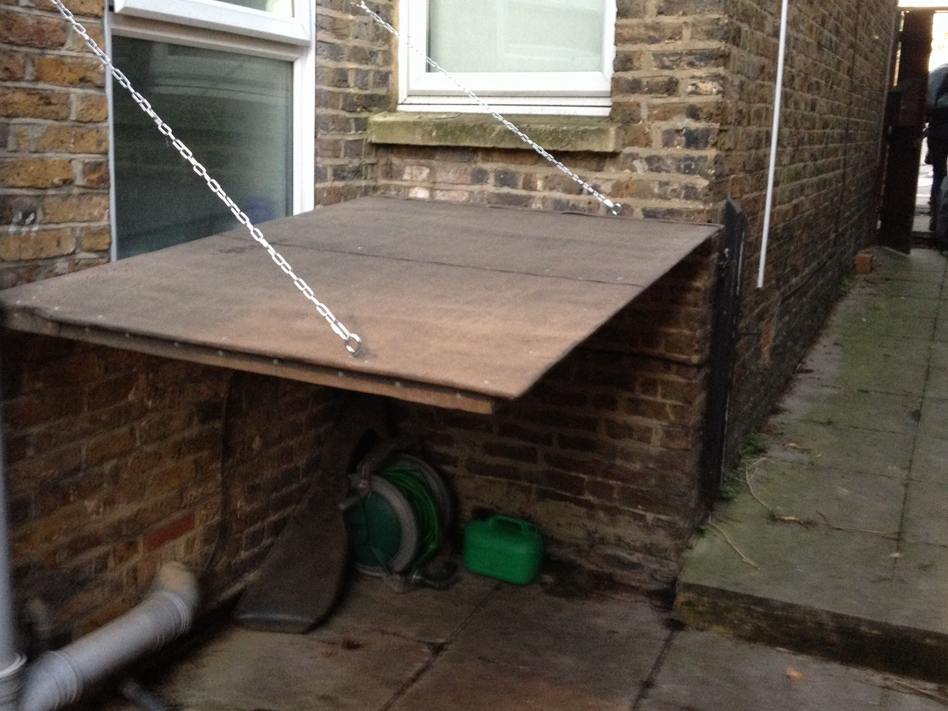 Outdoor bike shelter for small space Roof down Stand to be
