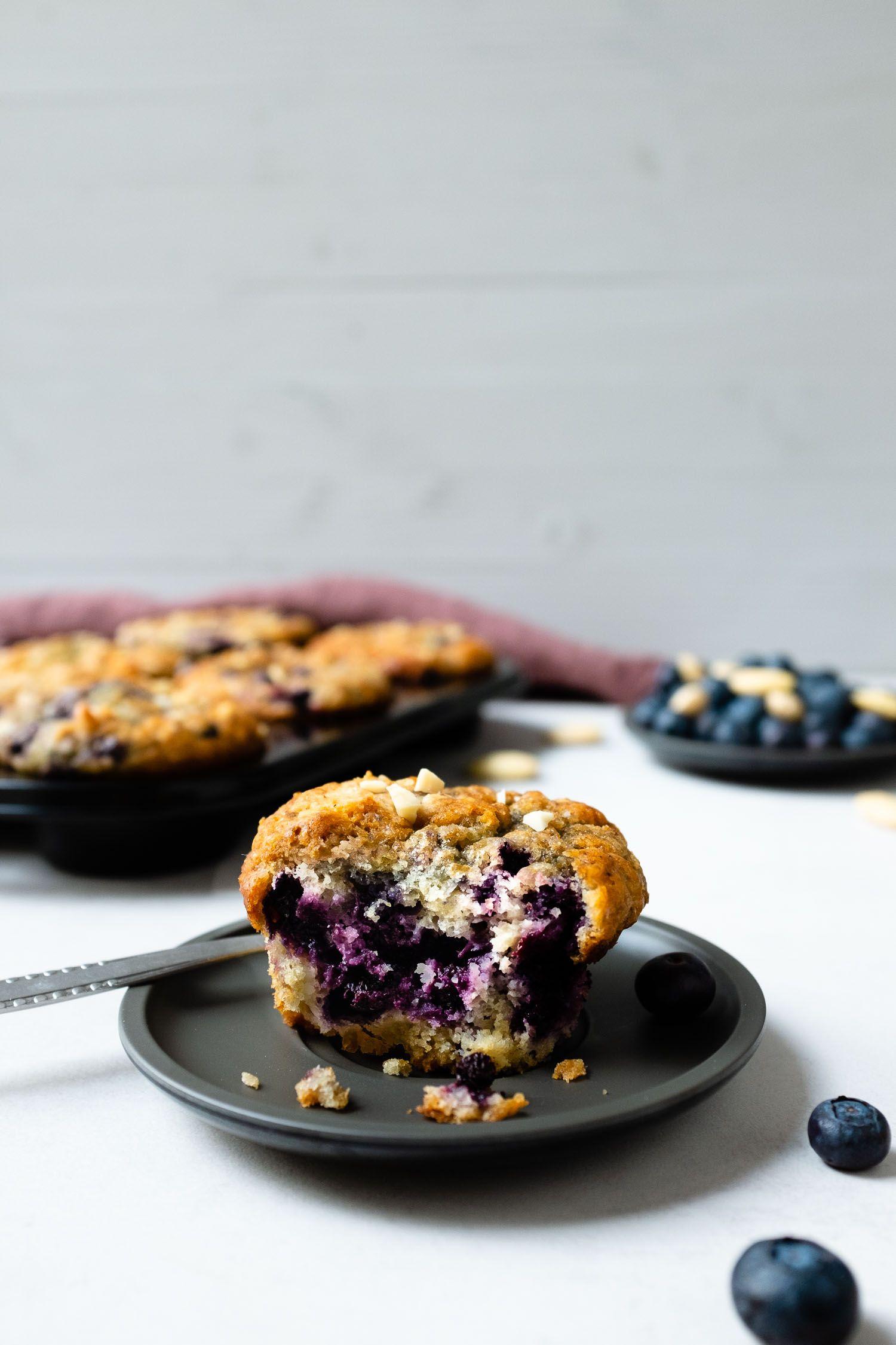 zitronen blaubeer buttermilch muffins mit mandeln