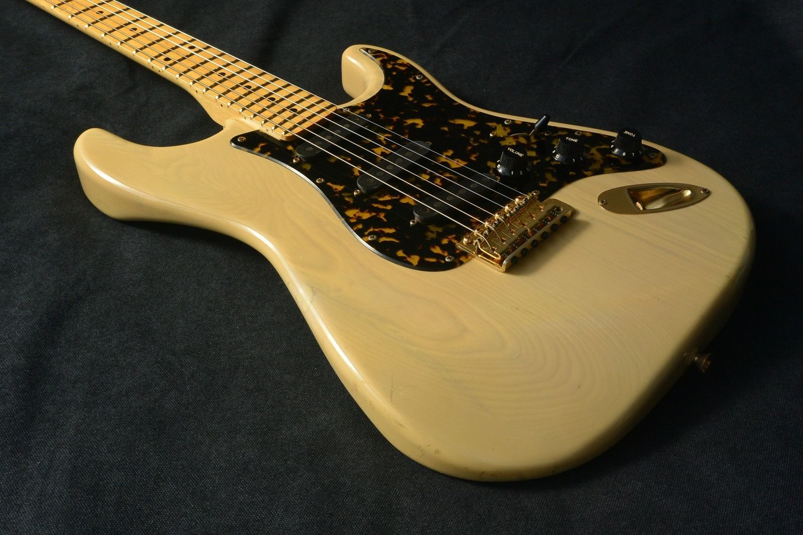 BILL LAWRENCE STRAT MADE IN JAPAN (NON KOREAN MADE) IN AROUND 90S MORRIS MADE |
