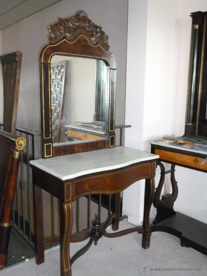 Consola isabelina con espejo y penacho espejos for Consolas antiguas muebles