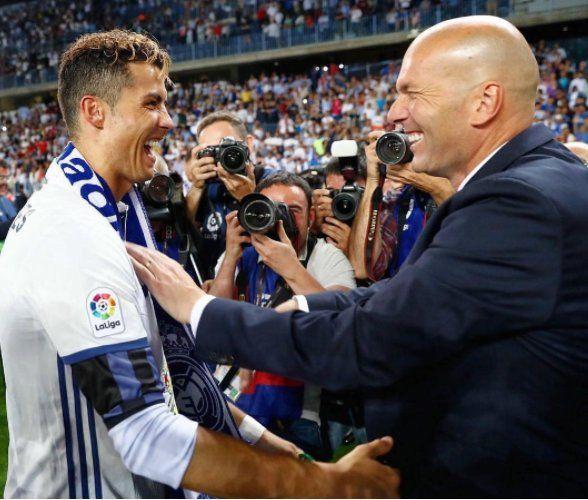Cristiano Ronaldo And Zidane Real Madrid Champions League 16 17 Winner Campeones Cristiano Ronaldo Ronaldo