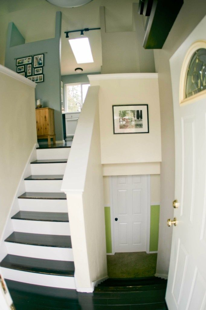 A Split Level Gets A Praire Style Facelift In Mclean Va: This Is Just Like Our House. I Love