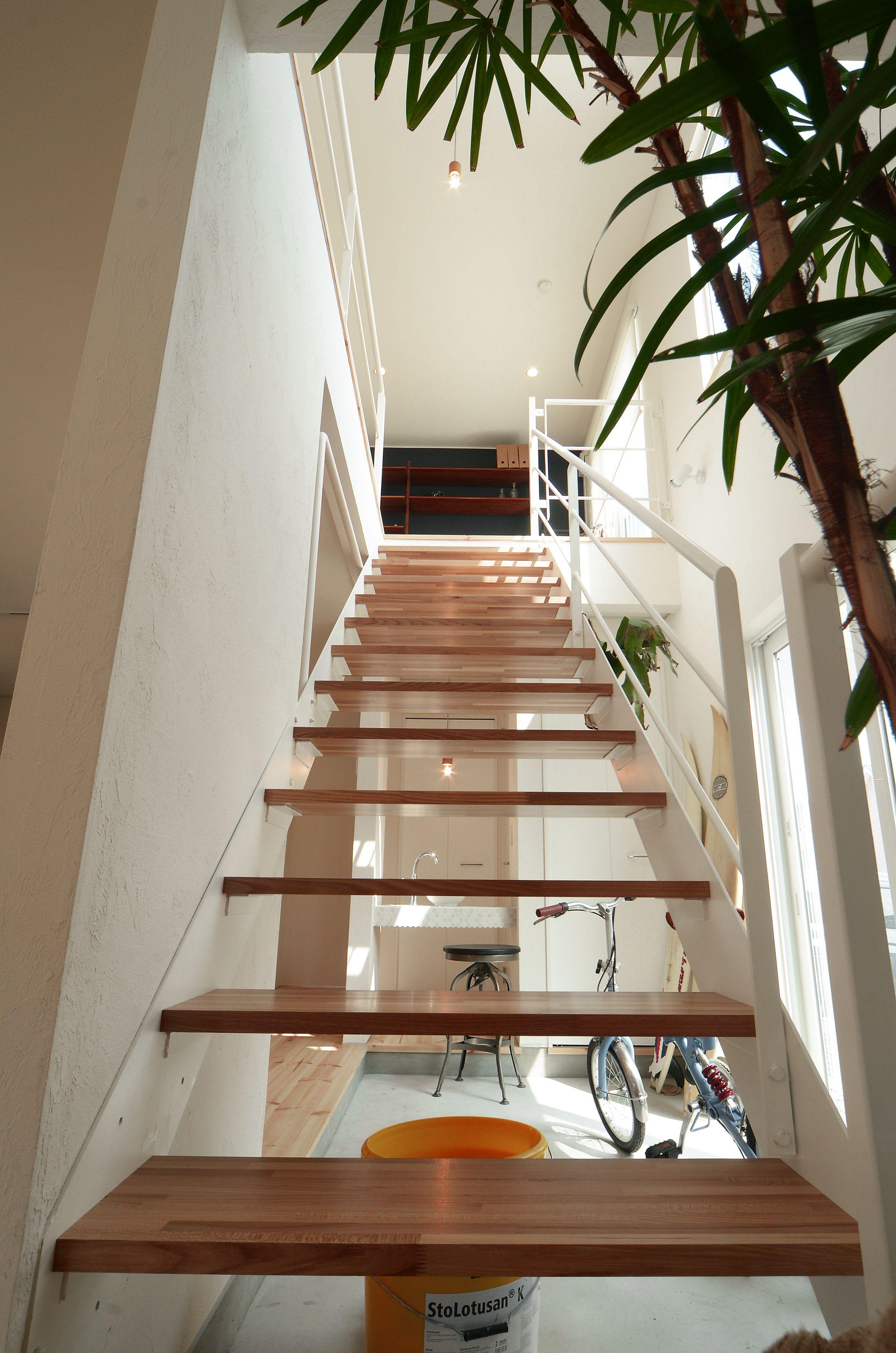 隔たりを無くすことで 2階からの光が1階へ お家全体を明るく