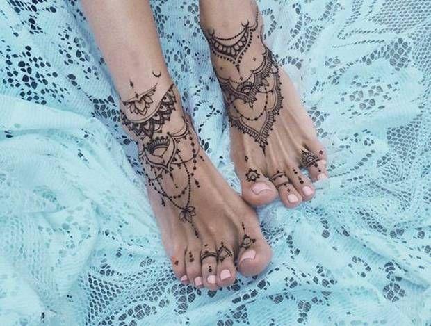 12 Stunning Mandala Tattoos With Deep Meanings | Foot ...