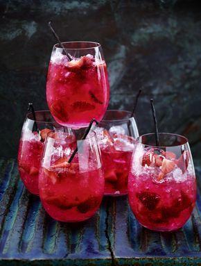 Erdbeer-Vanille-Bowle mit Limette und Gin Rezept | LECKER #gincocktailrecipes