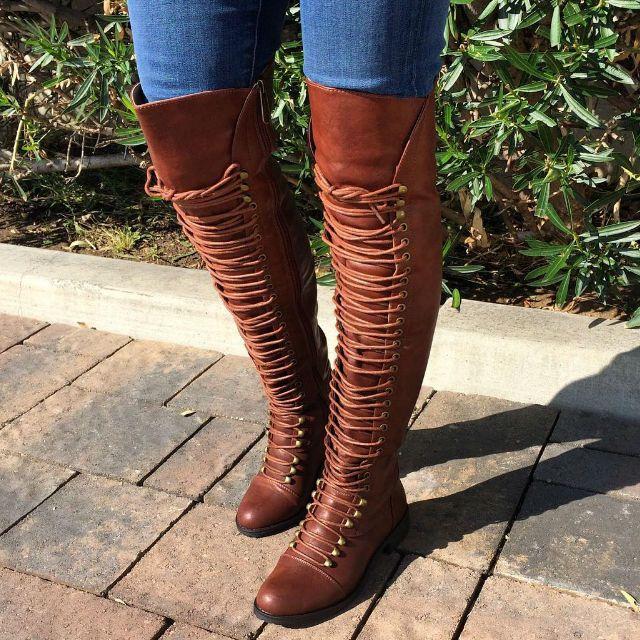 Retro Women Lace Up Tassel Knee-High Closed Toe Flat Boots