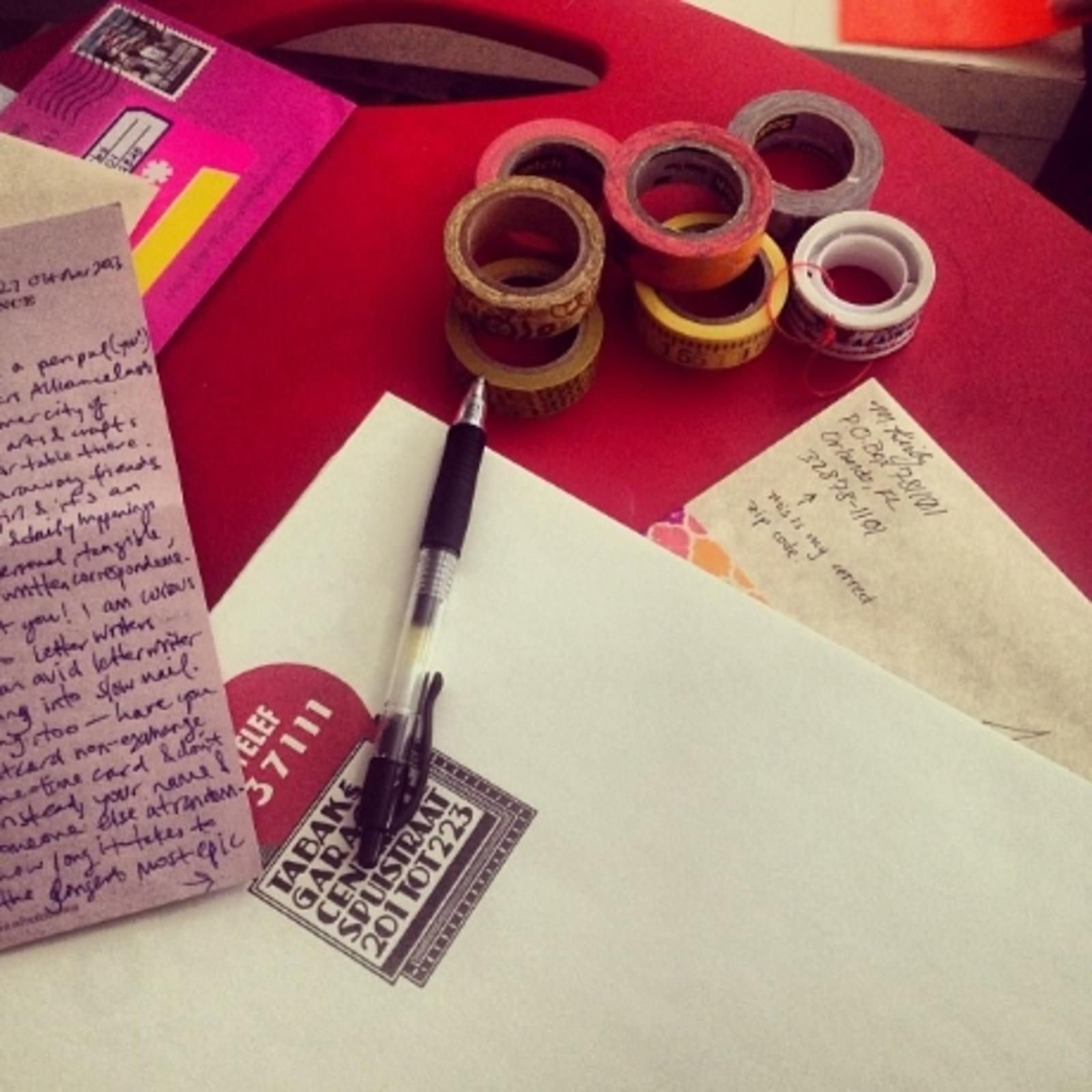 To Get A Letter Send A Letter Where To Find A Pen Pal  Pen Pals