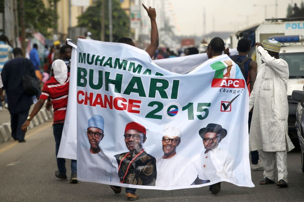 """Top News: """"Election Results (Aso Rock): Buhari Leading Jonathan"""" - http://www.politicoscope.com/wp-content/uploads/2015/03/Muhammadu-Buhari-APC-Nigerian-Elections-1200x797.jpg - Results from polling units 021 and 022, located in Aso Rock, revealed that Mr. Buhari's APC polled 265 and 348. Find more 2015 Nigeria election results.  on Politicoscope - http://www.politicoscope.com/election-results-aso-rock-buhari-leading-jonathan/."""