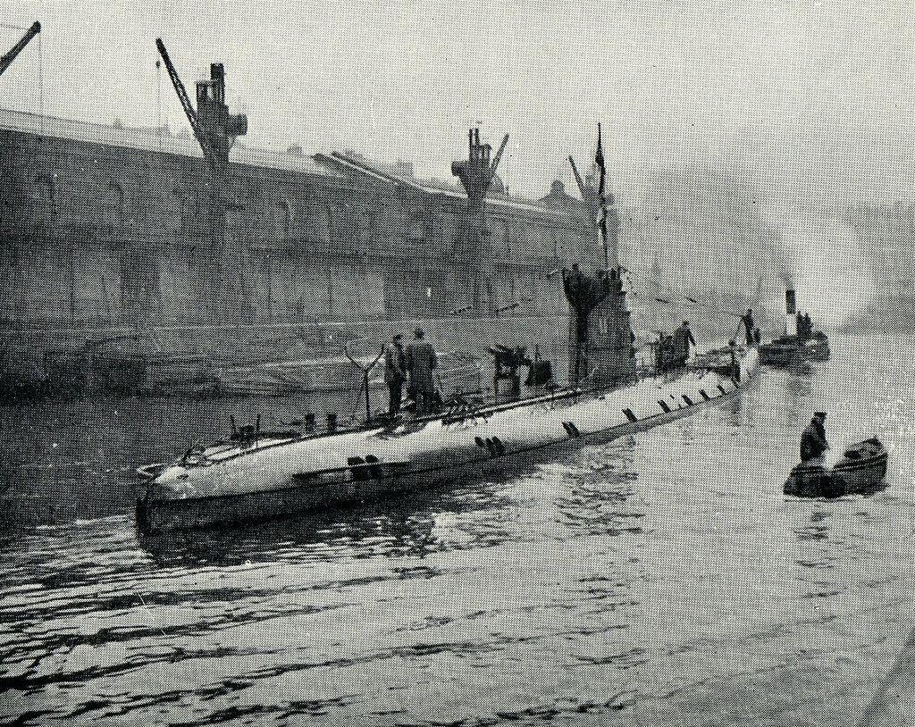 German submarine (U86) Bristol Harbour UK 1918 | World War I