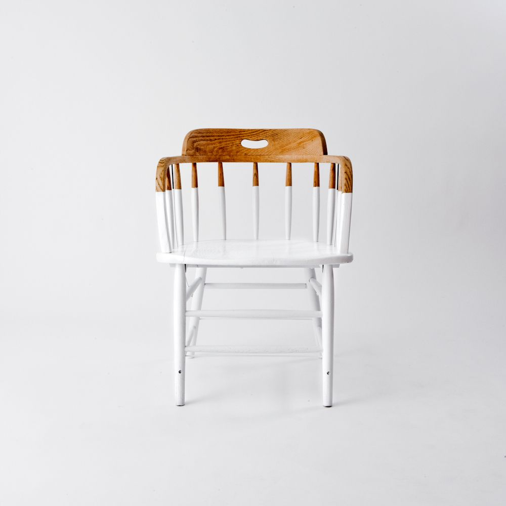 Ook je oude grenen stoelen kun je een half nieuw jasje geven