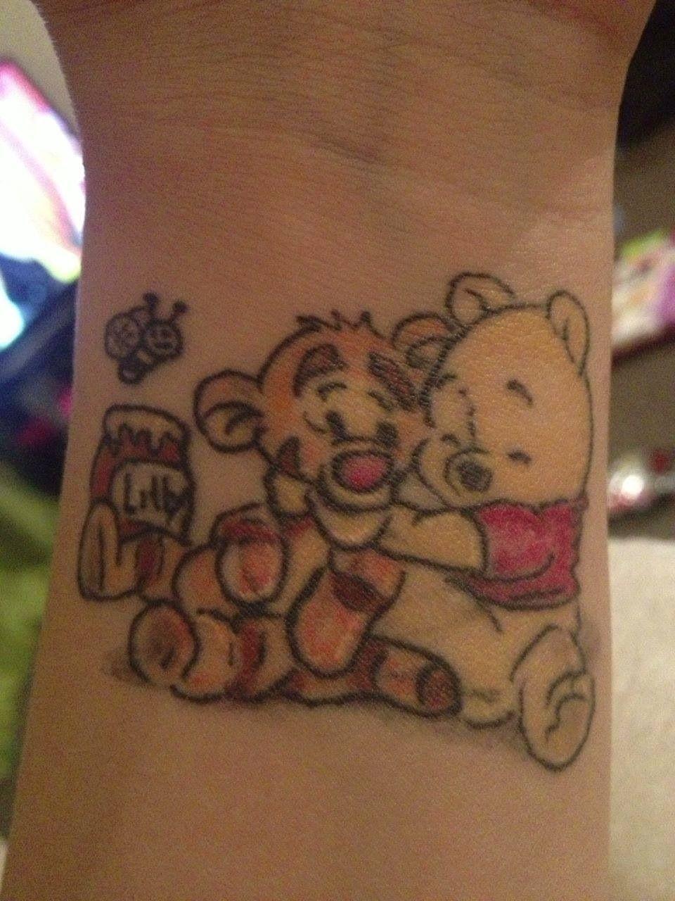 Winnie et Tigrou Tattoo. Adoraaaable !! Tigrou, Winnie L\u0027ourson, Tatouages
