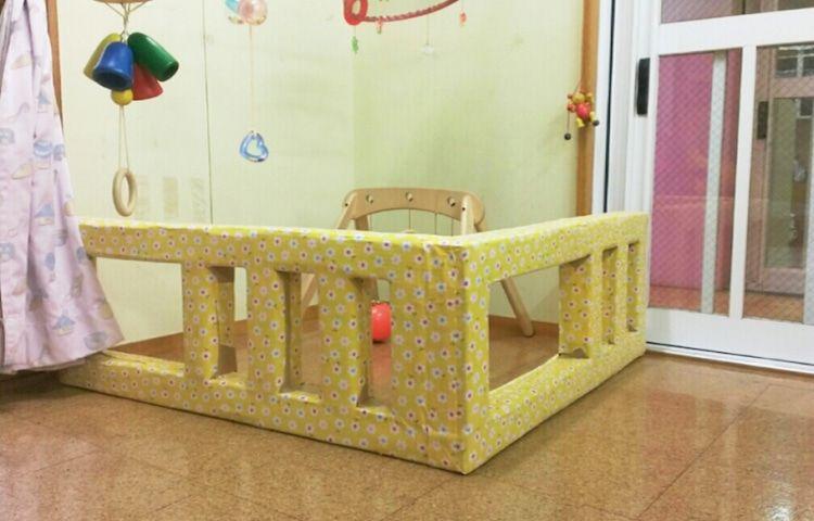 手作りおもちゃ 牛乳パックに新聞紙をつめ方 手作りおもちゃ 牛乳パック ベビーゲート 手作り 赤ちゃん用家具