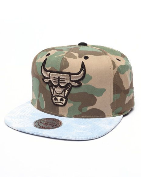 1c12924e0ba Chicago Bulls Distinguished American Snapback Hat by Mitchell   Ness ...