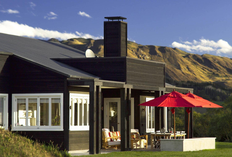 Black Dog Cottage New Zealand Architecture New Zealand Houses