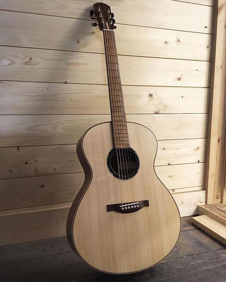 943 Curtidas 4 Comentarios Acoustic Guitar Acousticaguitar No Instagram Repost Li Acoustic Guitar Acoustic Guitar Photography Acoustic Guitar Strings