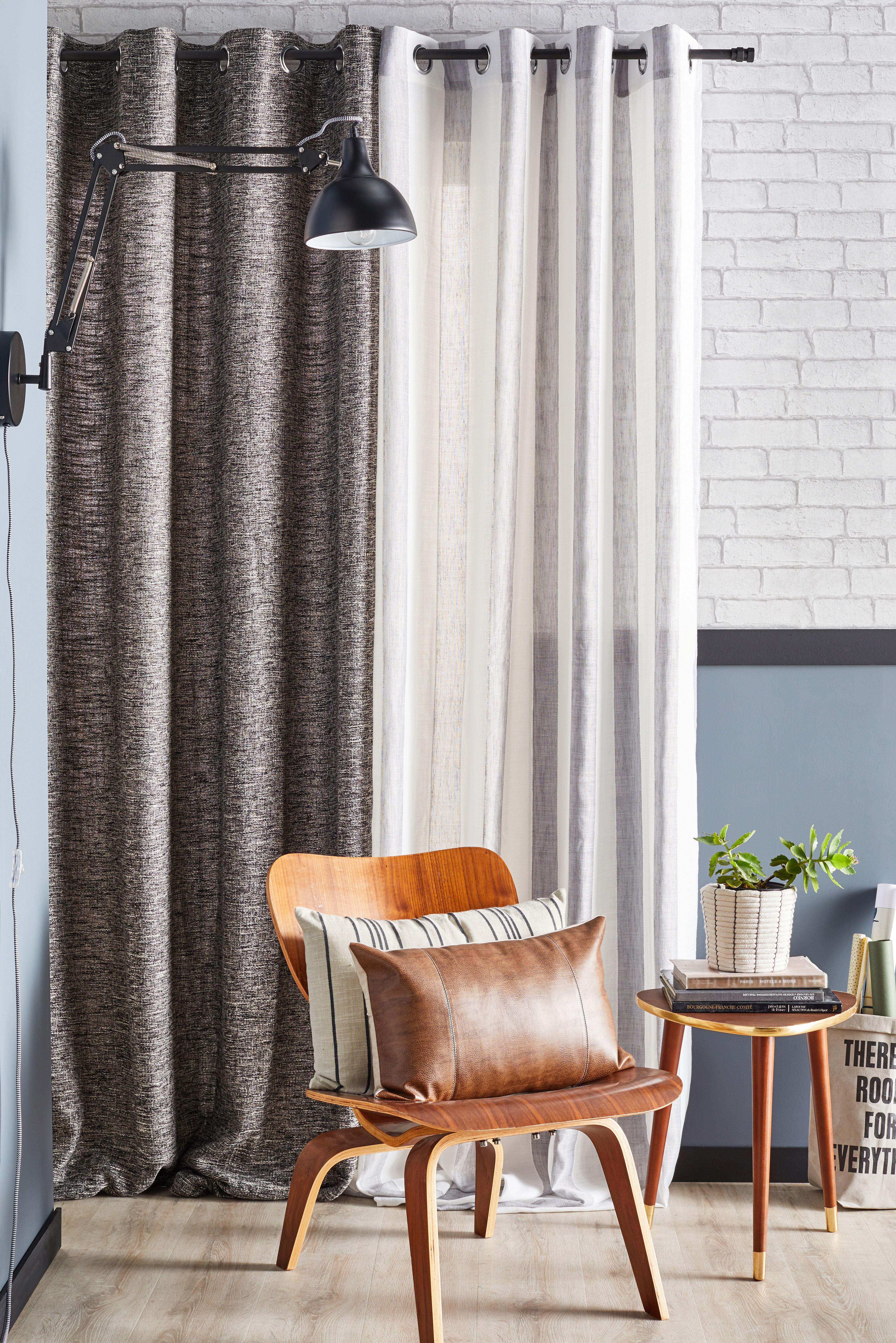 avec la tendance atelier hipster l esprit loft devient un atelier graphique et design reprenant les codes de rideaux tendances deco salon rideaux industriels