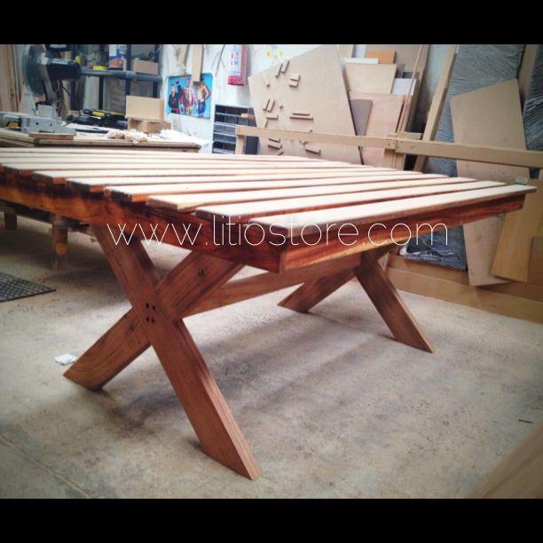 Mesa de madera parota con terminado para exterior litio store pinterest - Mesas de madera exterior ...