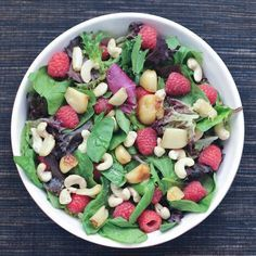 Roasted Garlic and Raspberry Big Salad with Fresh Raspberry Vinaigrette - fresh, crispy, crunchy, creamy, sweet - all these beautiful flavors and textures @spabettie