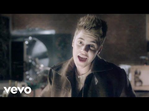 Justin Bieber - Santa Claus Is Coming To Town (Arthur Christmas