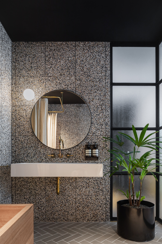 Galerie Von Paramount House Hotel Breathe Architecture 3 2020 Banyo Ic Dekorasyonu Luks Banyolar Modern Banyo