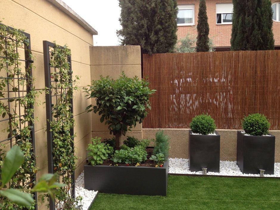 Juan casla paisajismo terrazas y exteriores for Paisajismo de patios