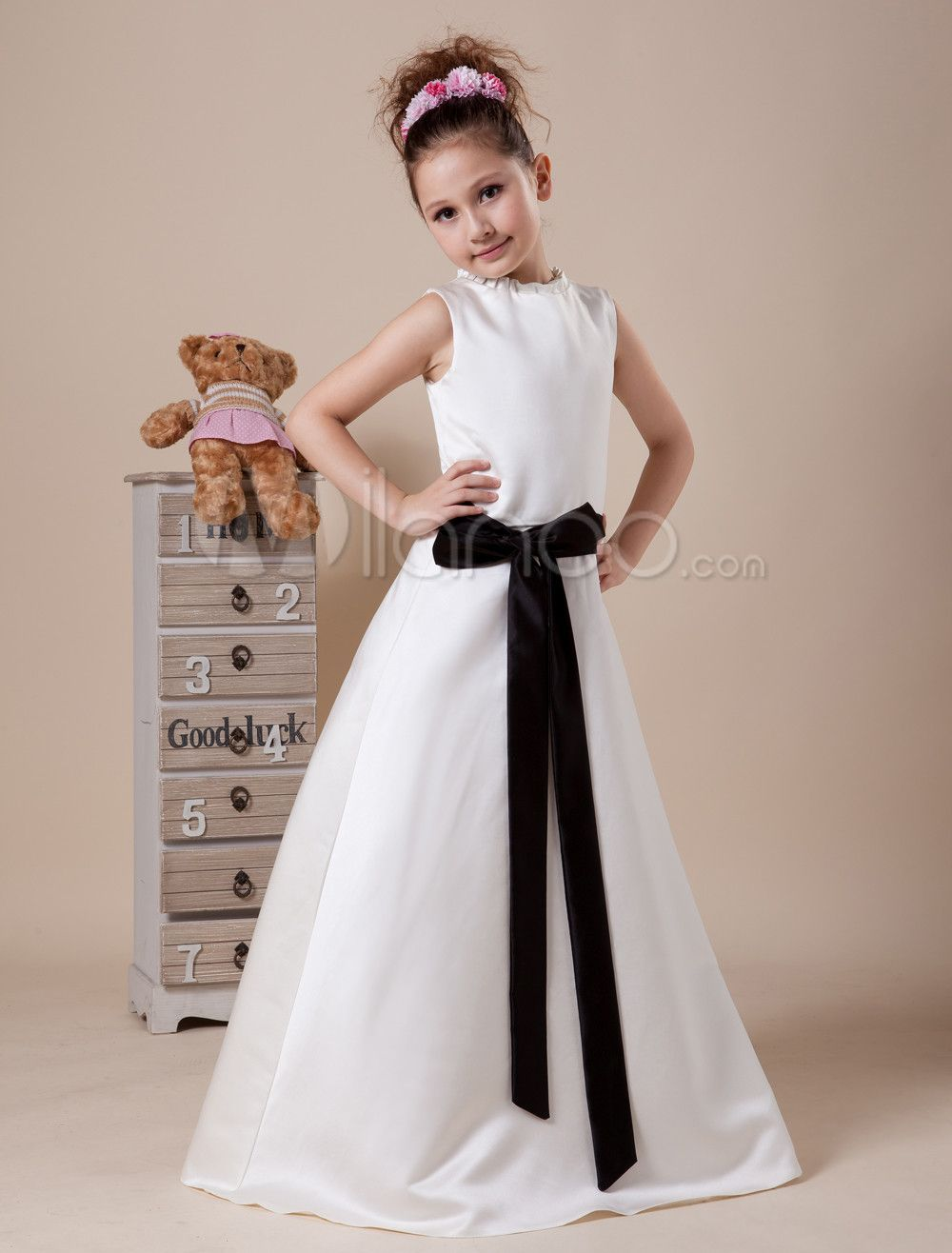 White sleeveless sash satin flower girl dress wedding flower girl