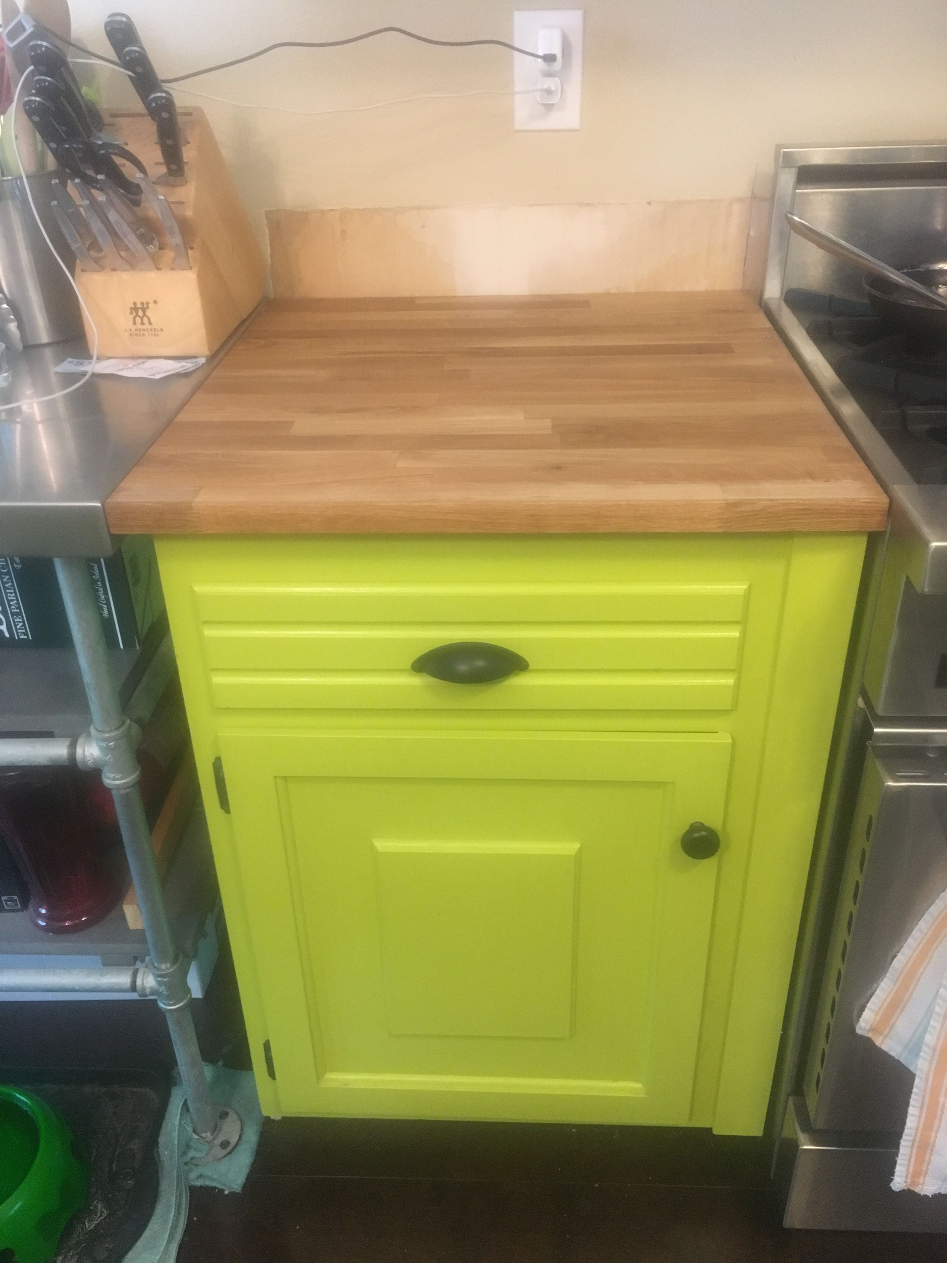Ikea Hammarp Oak Countertops Barely Visible Is The Corner Of The