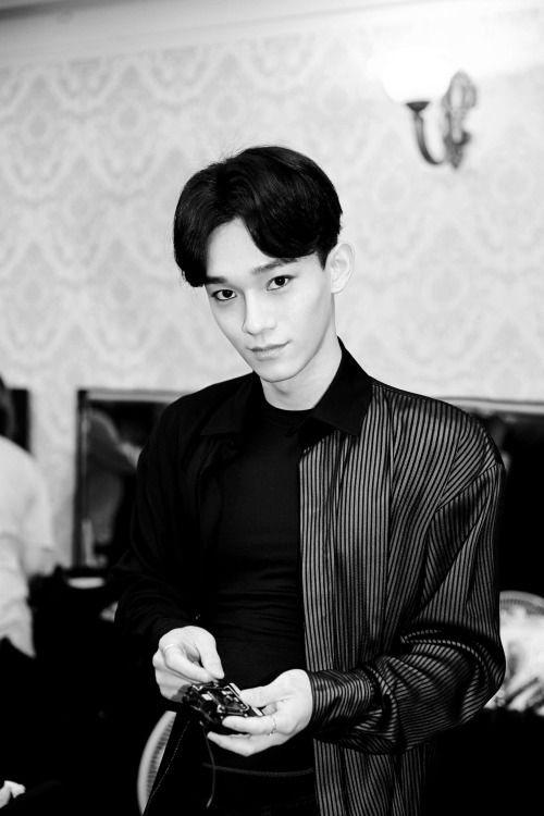 Chen - 160802 Official Wyth update Credit: Wyth.