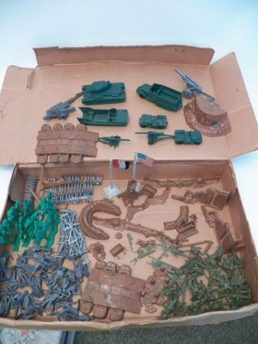 Cool Toy Army Men : No marx vintage battleground army playset in box
