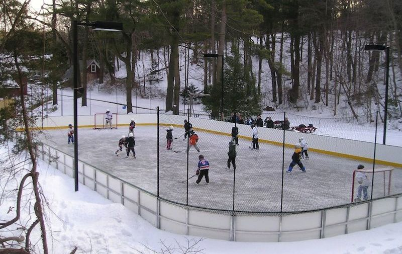 14 Homes With Private Ice Rinks Photos Outdoor Skating Rink Backyard Rink Ice Rink
