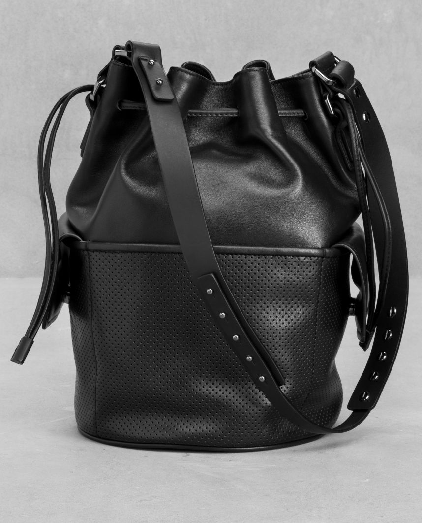 4eba621991 Your Style Lab | Bucket bag &OtherStories | Accessoires | Pinterest ...