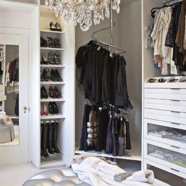Best A Corner Carousel For Your Closet Laclosetdesign Closet 400 x 300