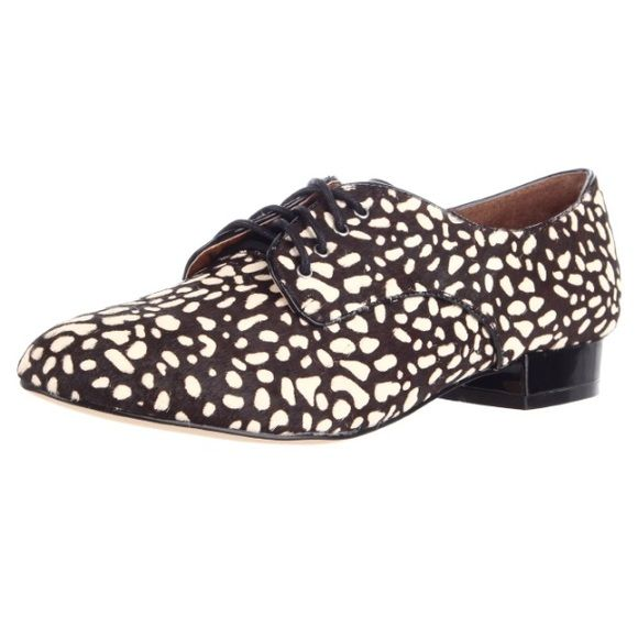 NWOT dolce vita dv Flynn Oxford lace up 6.5 UO NWOT Urban outfitters dv dolce vita Flynn lave up Oxford shoes size 6.5. Worn around the house a few times but not outside NO TRADES Urban Outfitters Shoes Flats & Loafers