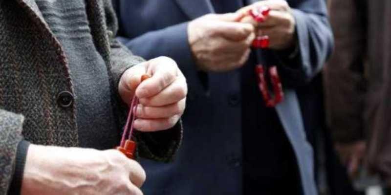 ΒΙΝΤΕΟ - Συνταξιούχος «μεταμφιέστηκε» σε… δημοσιογράφο για να μάθει για τη σύνταξή του