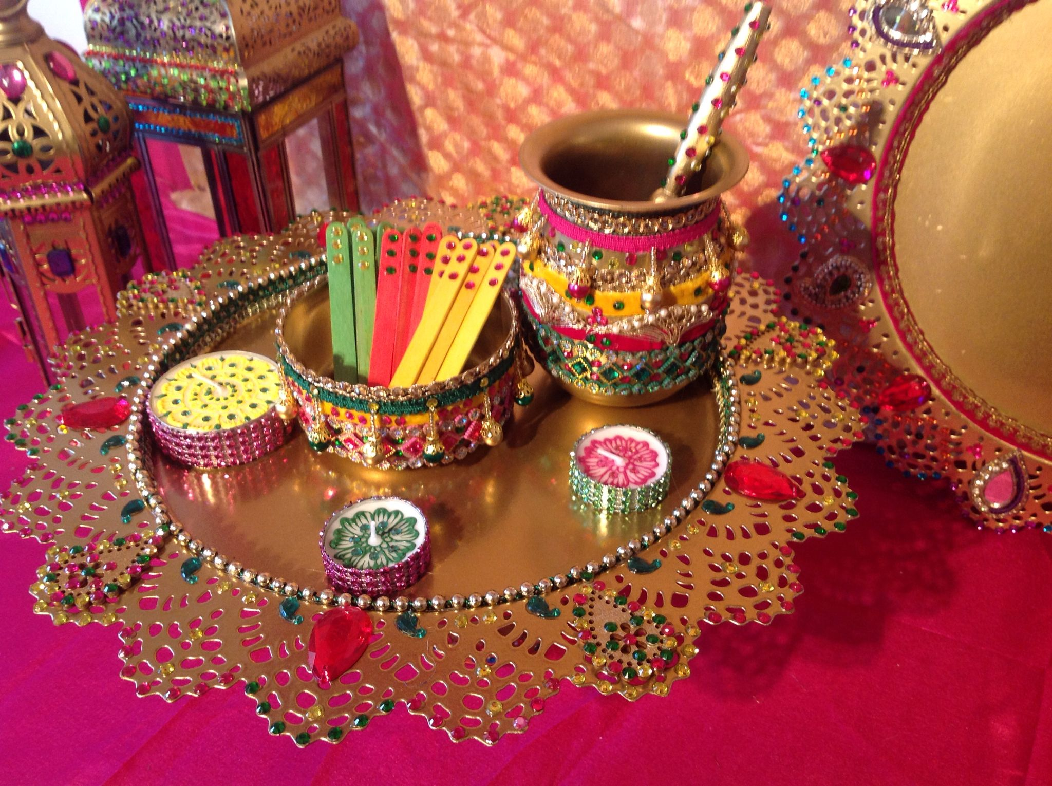 Diy Mehndi Plates : A beautiful mehndi plate complete with oil and pots see my