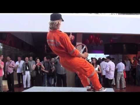 levitación para publicidad http://youtu.be/YGpKlfuqhsA