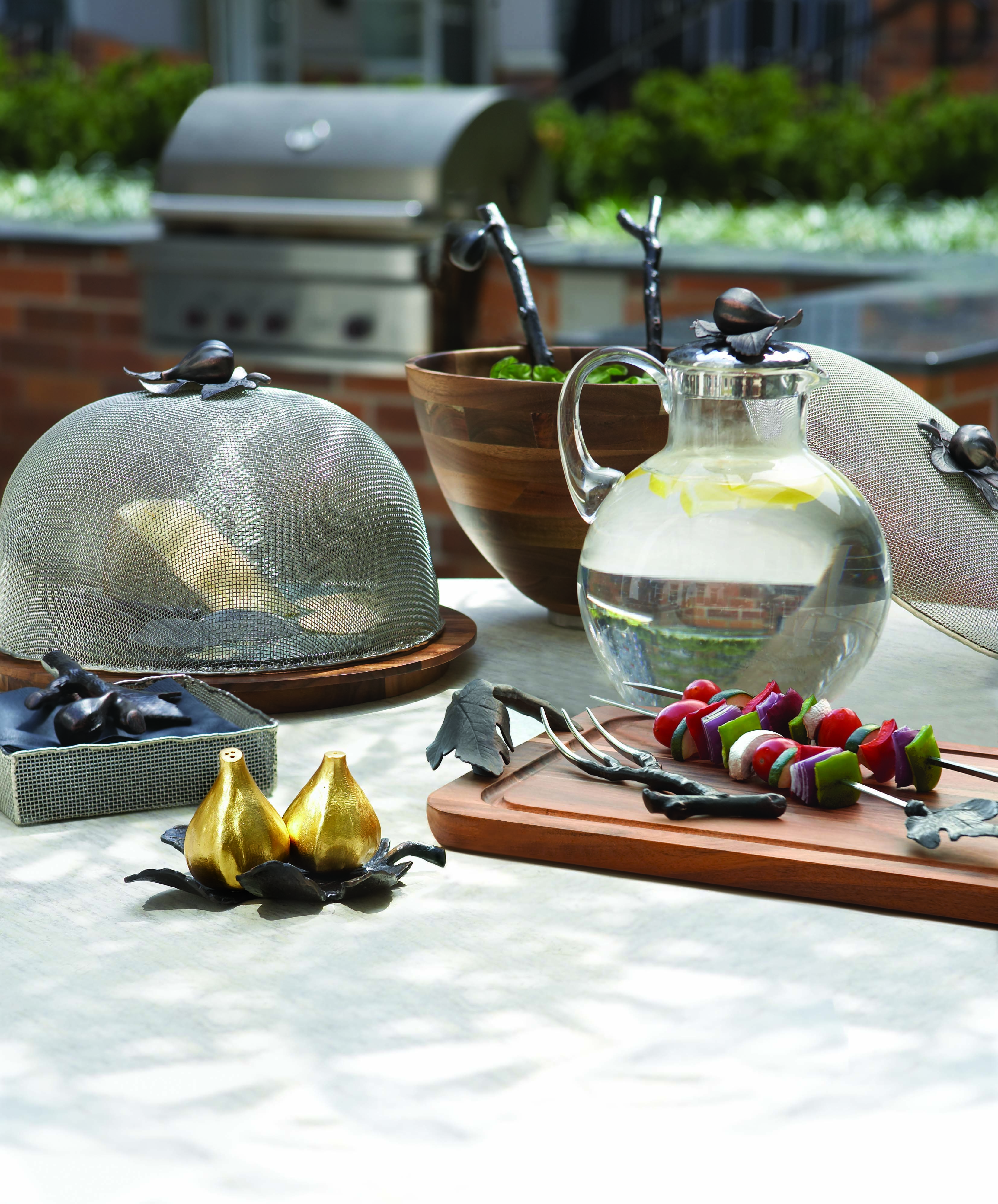 Outdoor Kitchens Perfect For Summer Entertaining: Michael Aram Fig Leaf Collection For Outdoor / Summer