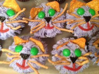 Scaredy Cat Cupcakes Halloween 2012