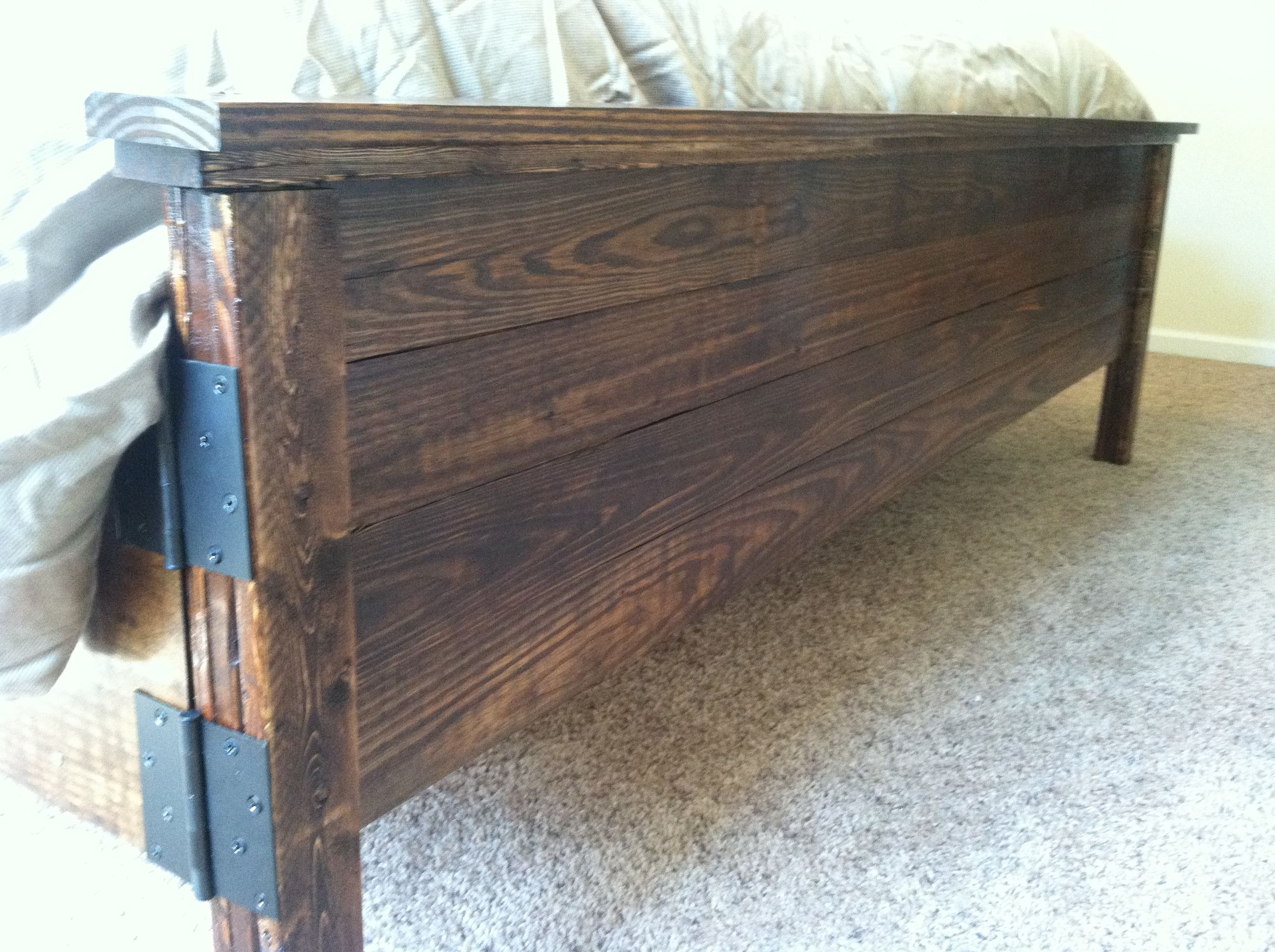 do it yourself rustic headboards | Rustic king size bed ...