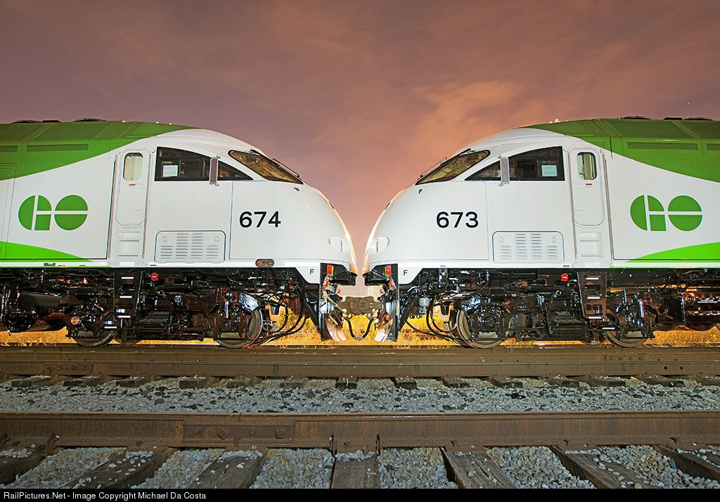 Railpictures Net Photo Mpex 673 Go Transit Greater Toronto Transit Authority Mpi Mp40pht T4ac At Toronto Ontario Canada By Michael Da Costa