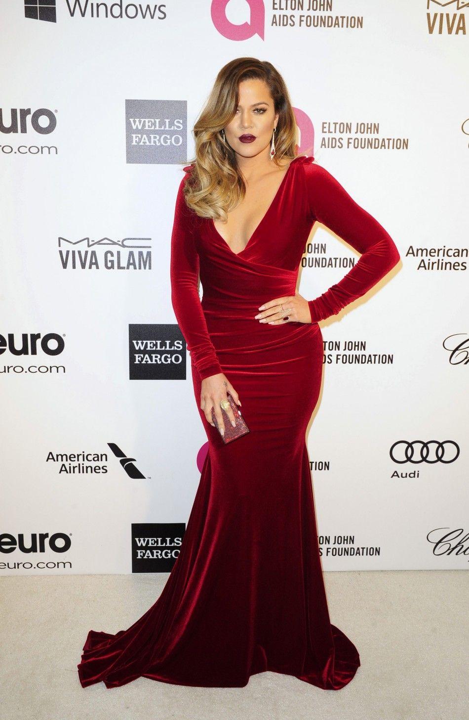 See Kim Kardashian And Khloe Bare Cleavage At Elton John Oscars Party 2017