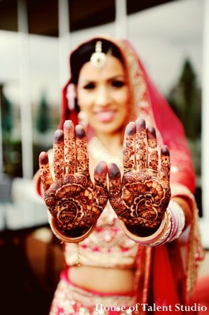 Indian Wedding Ceremony Bridal Henna Lengha Maharaniweddings